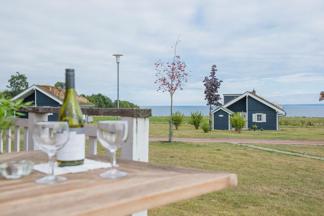 https://www.strandhaeuser-ostseeblick.de/uploads/images/bilder-der-haeuser/strandhaus-hanse-terrasse-ostsee-ferienhaus.jpg